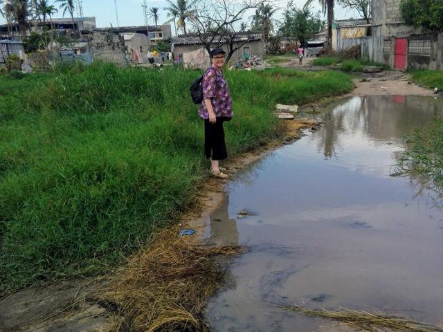 Vattnet står fortfarande högt på många platser.