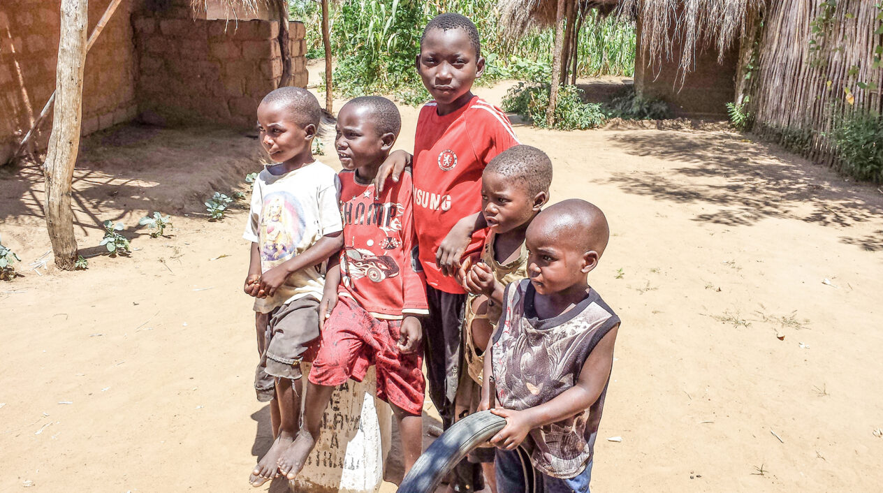 Restriktioner och uteblivna regn gör att barnen svälter